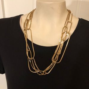 Jewelry - Funky gold tone necklace